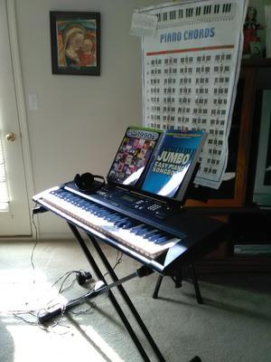 Yamaha ES 220 Keyboard